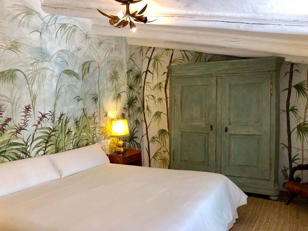 hotels with  charm in aliseda  20