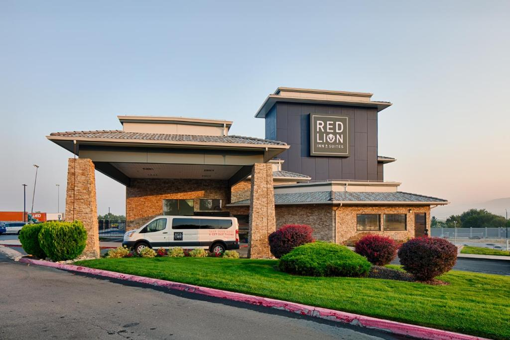 Red Lion Inn Suites Boise Airport Id Booking Com