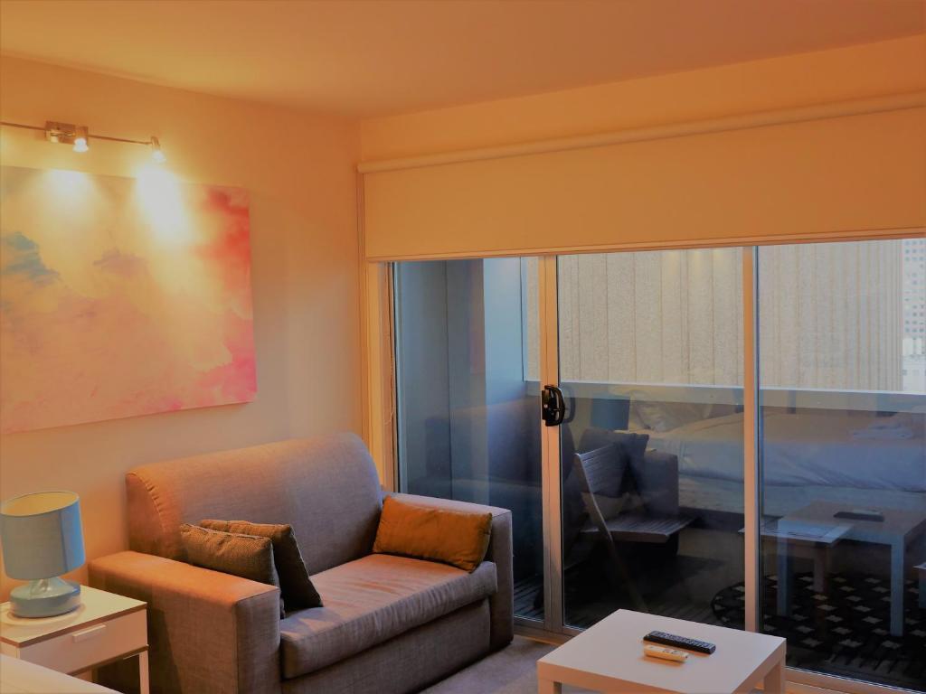 apartment anchor on collins melbourne australia booking com rh booking com