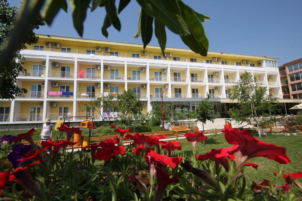 Hotel central mamaia romania for Central reservation hotel