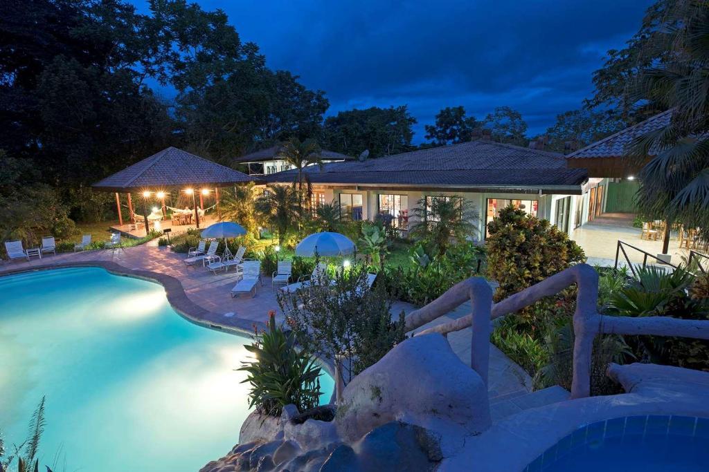 The swimming pool at or near Crocodile Bay Resort
