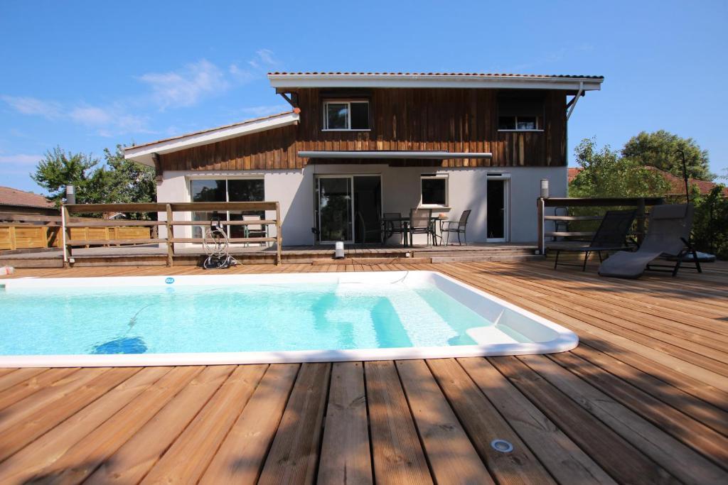 Belle maison avec piscine 4 ch au lac de cazaux la - Maison a louer barcelone avec piscine ...