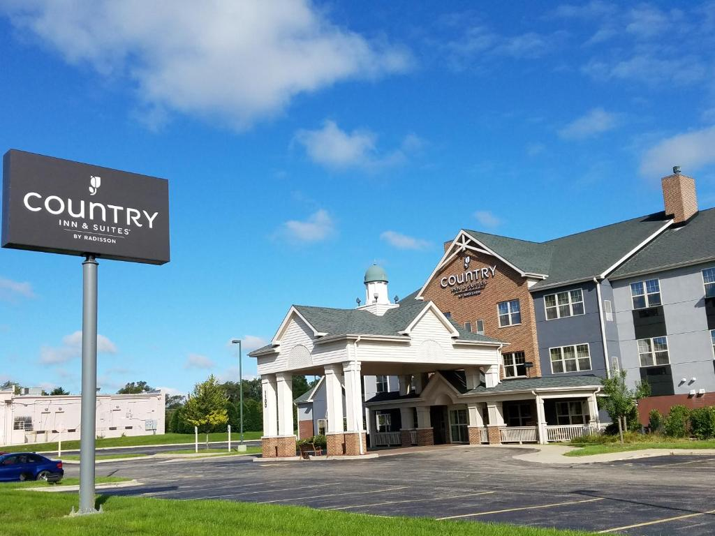 Country Inn & Suites Zion, IL - Booking.com