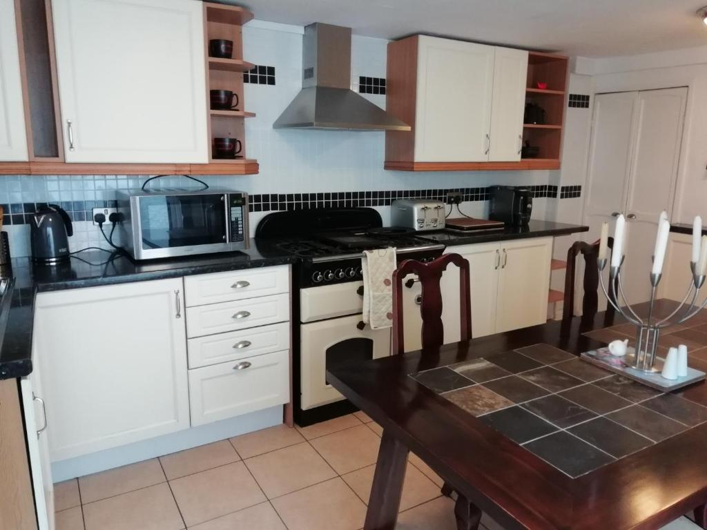 Brown Cow Cottage, Dalton in Furness – Updated 2019 Prices