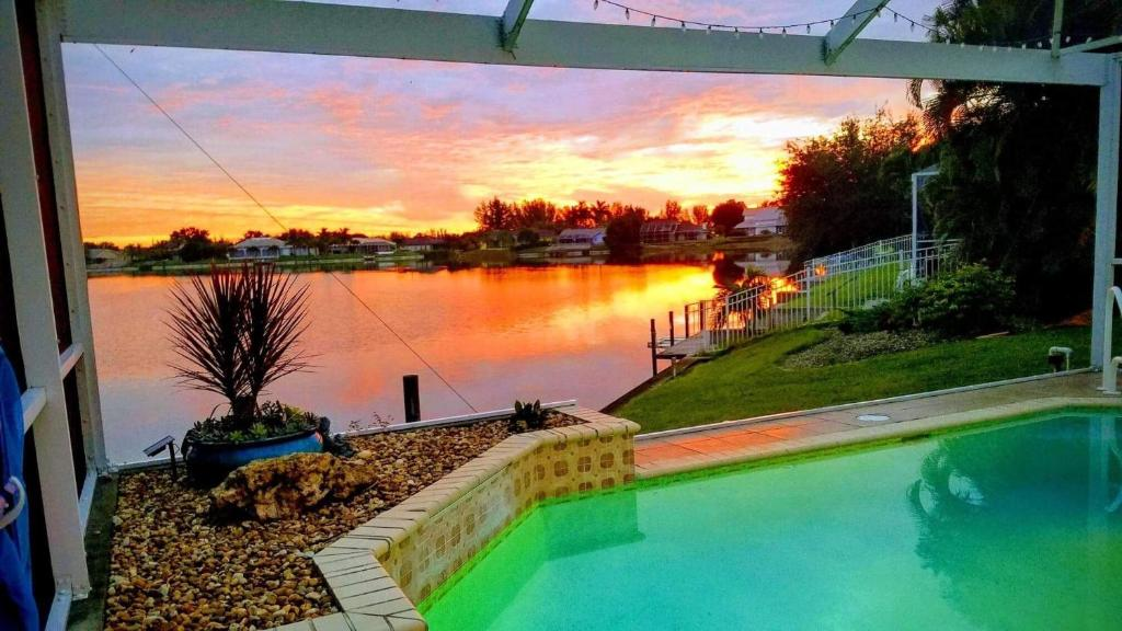 Lake View Villa, Cape Coral, FL - Booking com