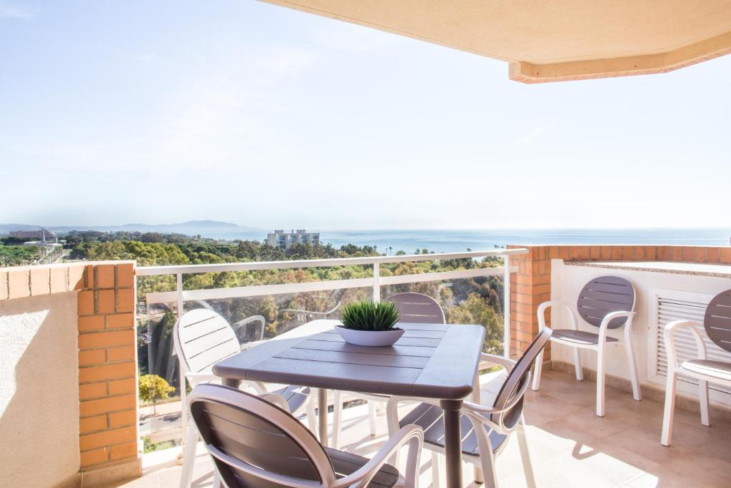 Balcony o terrace sa Playa Dorada Primera Linea