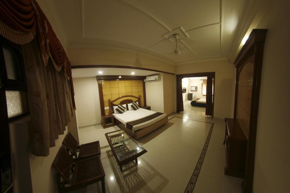 Hotel Dolphin, Jalandhar – Updated 2019 Prices