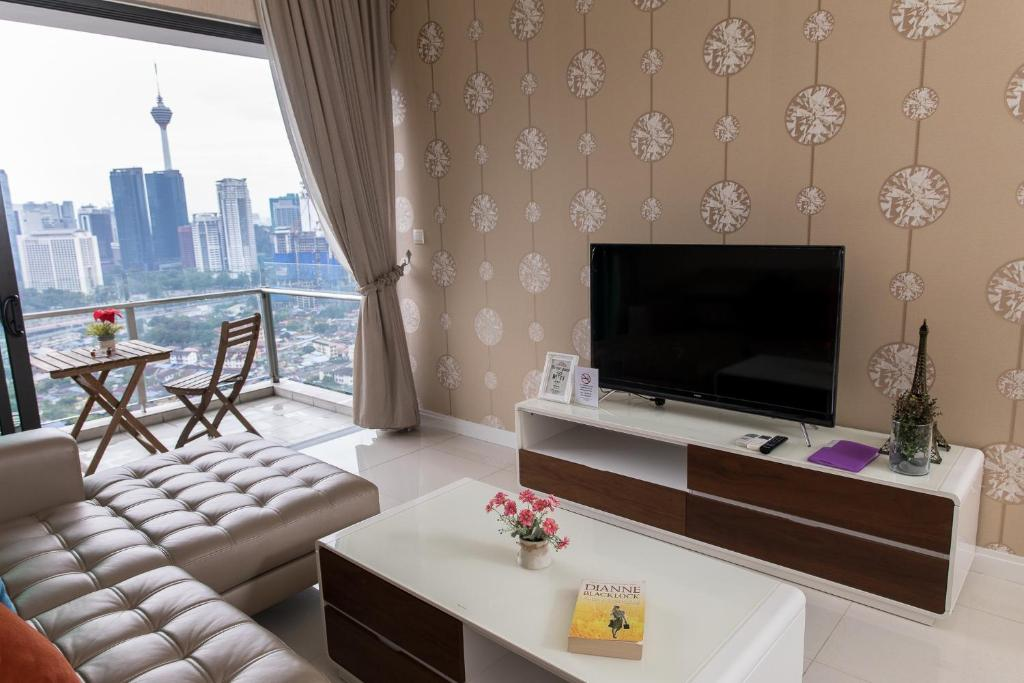 Apartment Nice Wallpaper Design Suite With Klcc View Kuala Lumpur