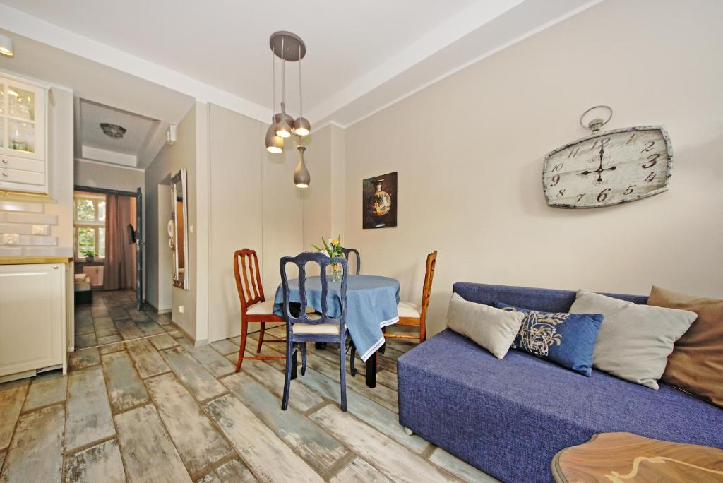 The apartment, set in a building dating from 2014, is 3.5 km from Westerplatte and 3.6 km Γλώσσες επικοινωνίας: Αγγλικά, Πολωνικά.
