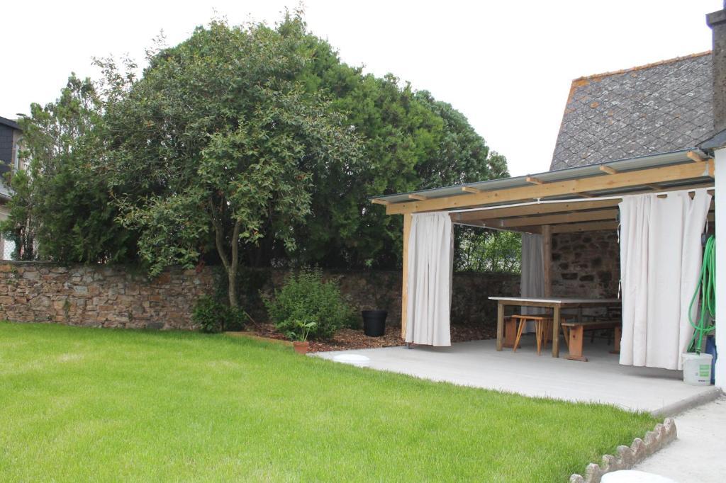 Ferienhaus Maison à 15 minutes de la mer, terrasse couverte, jardin ...