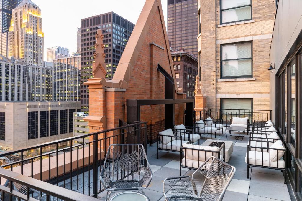 Top 10 Chicago Hotels $94 | Find 2019 Chicago Hotel Deals