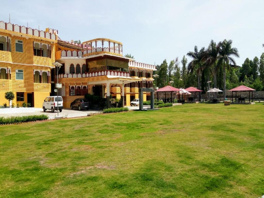 cf47b7f3 Rishika Clarks Inn, Udaipur, India - Booking.com
