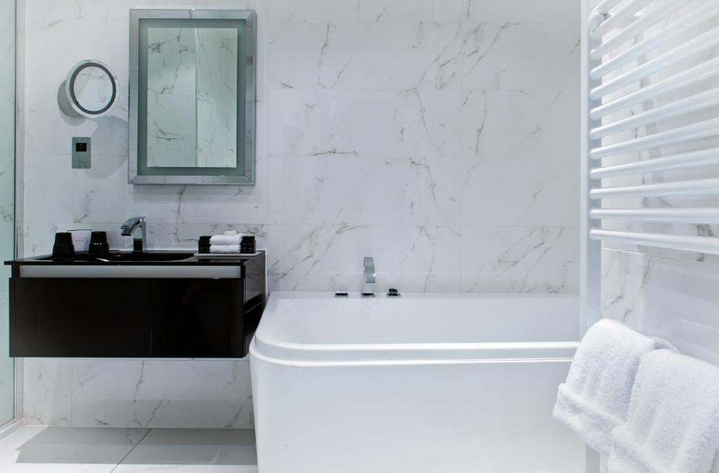 Hotel Colessio (GB Stirling) - Booking.com