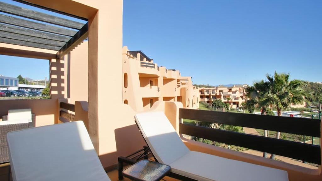 Casares beach and golf apartment (España Casares) - Booking.com