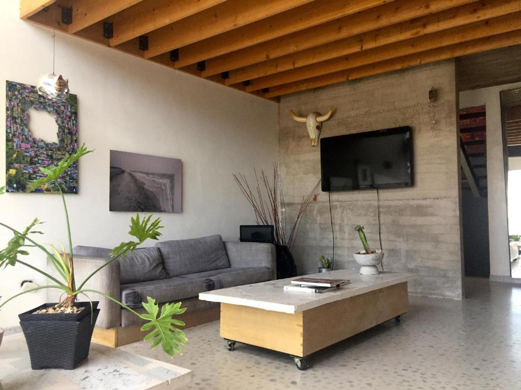 Chihuahua casa moderna con vista a la ciudad chihuahua for La casa moderna