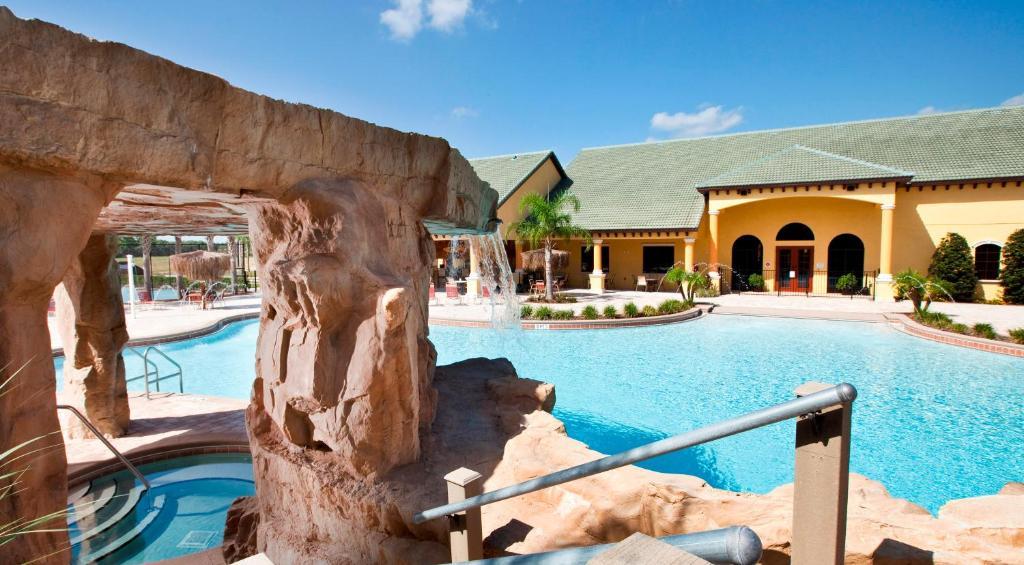 A piscina em ou perto de Paradise Palms 8931