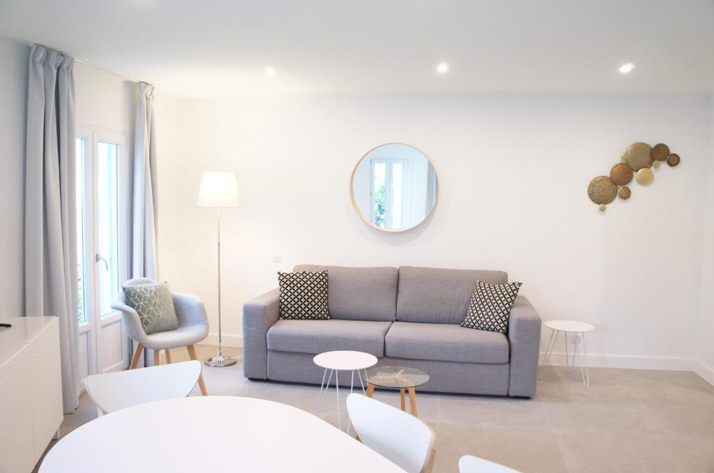 apartment république, menton, france - booking