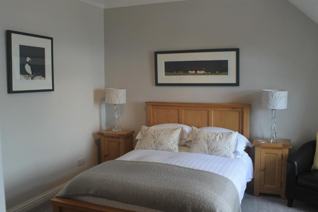 A bed or beds in a room at Springbank