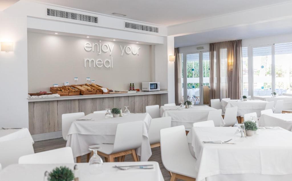 Hotel Blue Sea Cala Millor Spain Booking Com