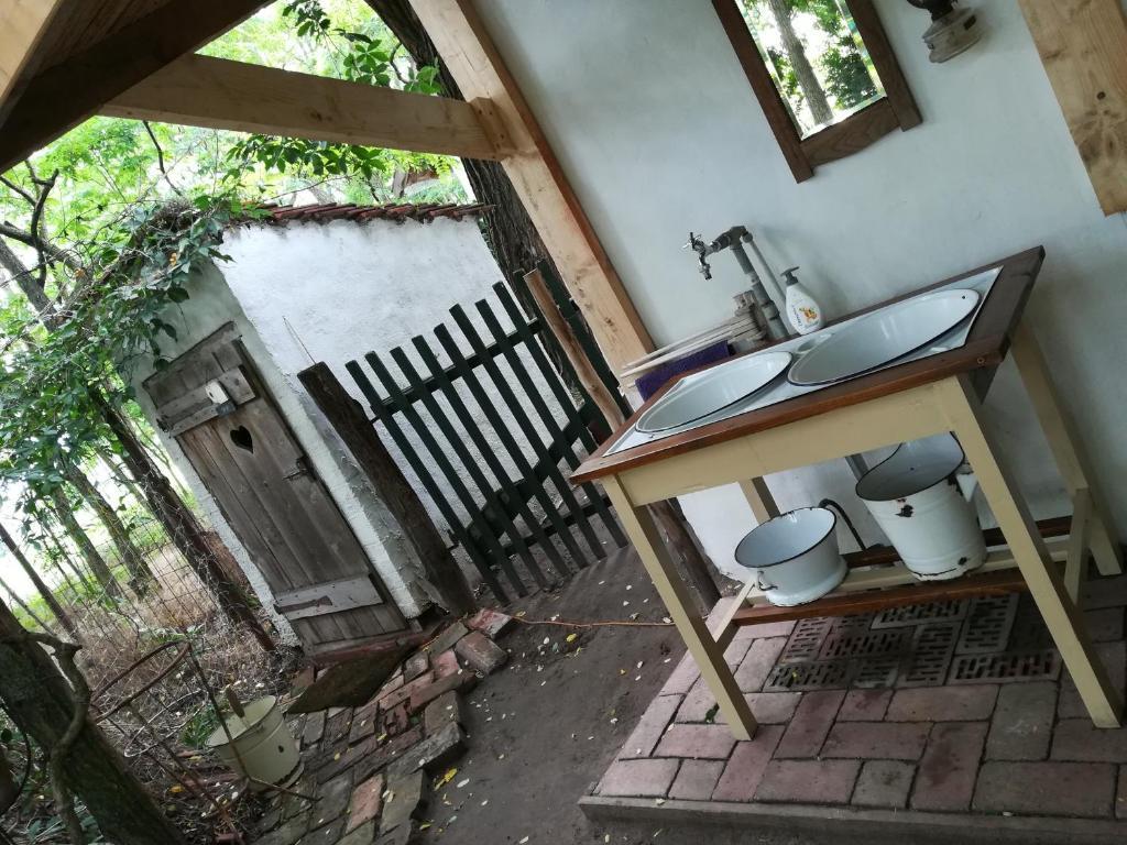 Outdoorküche Camping Ground : Chy kara farm camping ungarn pálmonostora booking