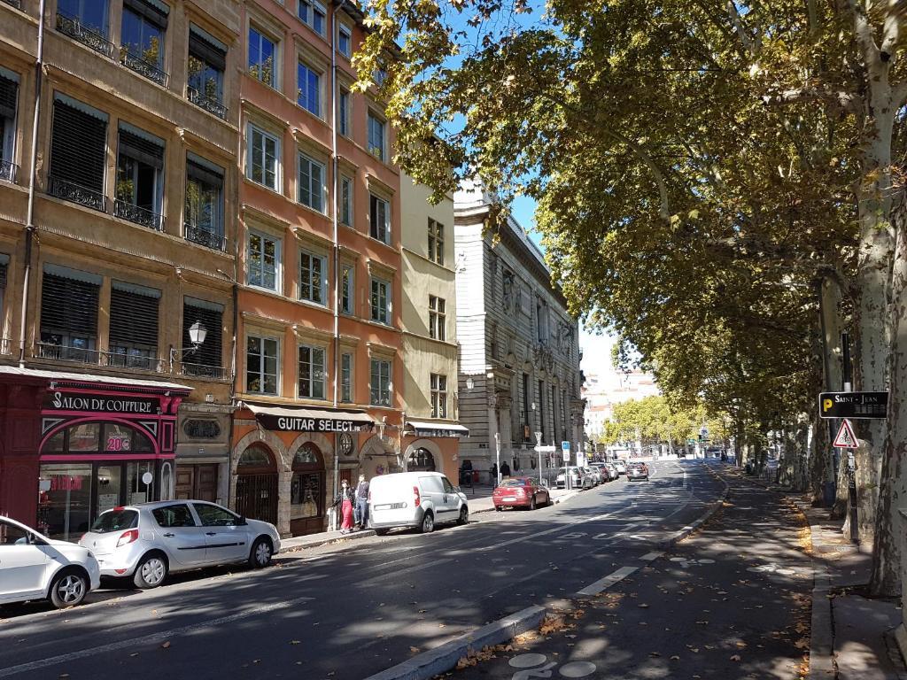 Ferienwohnung Quai De Bondy Frankreich Lyon Booking Com