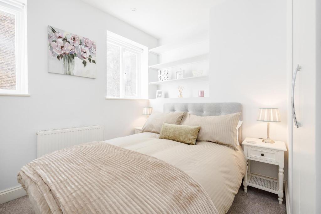 34cf2255d8c1 Bright   Modern 2-Bed Notting Hill Apartment (Великобритания Лондон ...