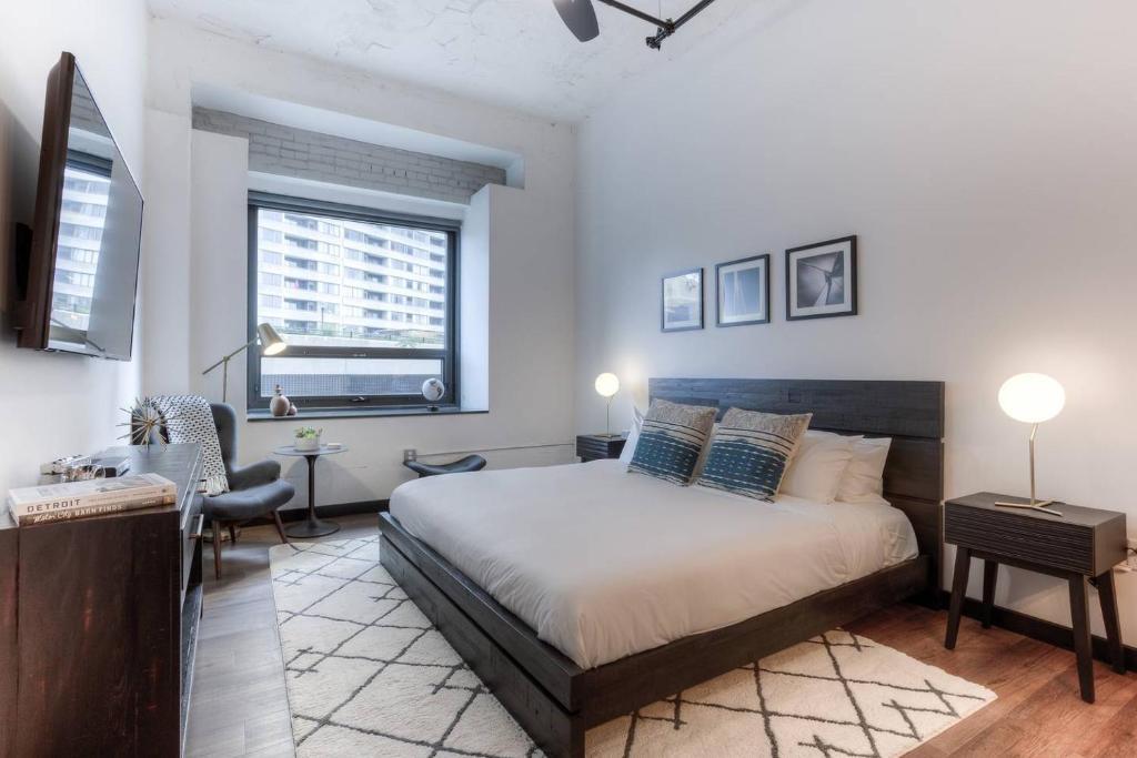 Apartment Motown King Suite In Entertainment District Detroit Mi
