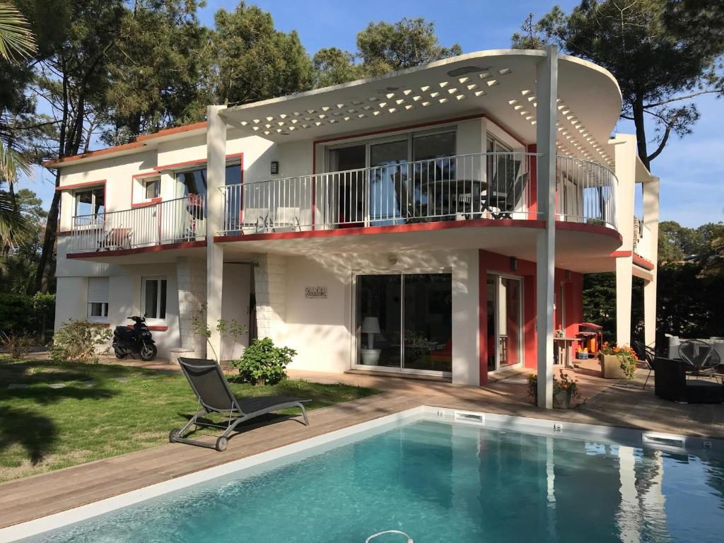 Chambre-d\'Amour Villa Sleeps 8 Pool WiFi, Chambre-d'Amour – Updated ...