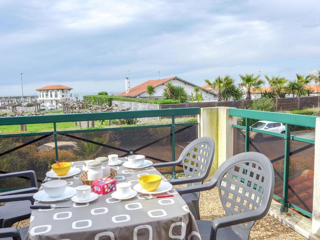 Apartment les terrasse de la chambre d 39 amour 2 anglet tarifs 2019 - Plage de la chambre d amour ...