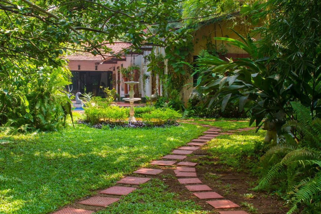 Villa The Estate By Vista Rooms Alibaug India Booking Com