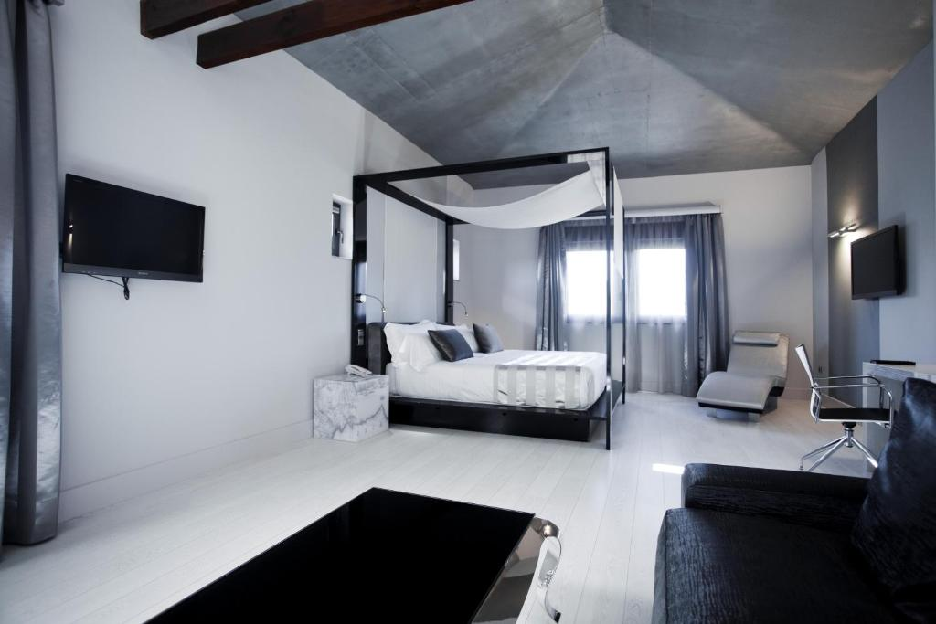 boutique hotels in granada  99