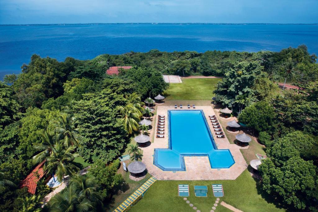 Hotel Gateway Airport Garden, Negombo, Sri Lanka - Booking.com