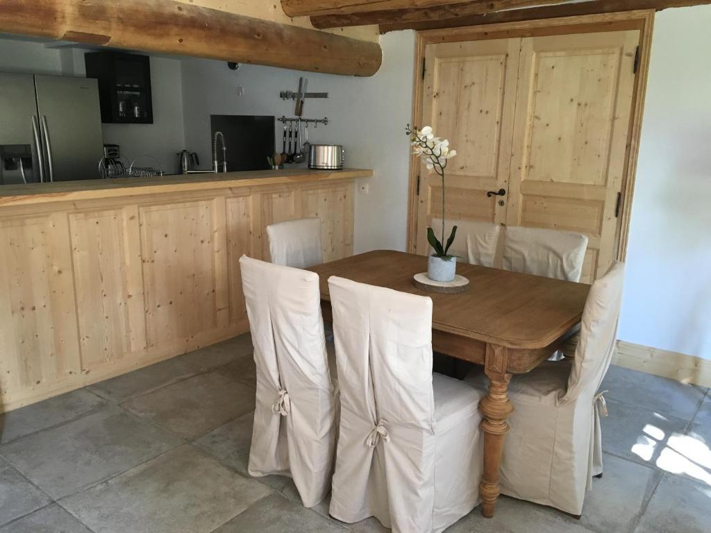 Gîte L Atelier Du Peintre Saint Maurice De Lignon Tarifs 2019