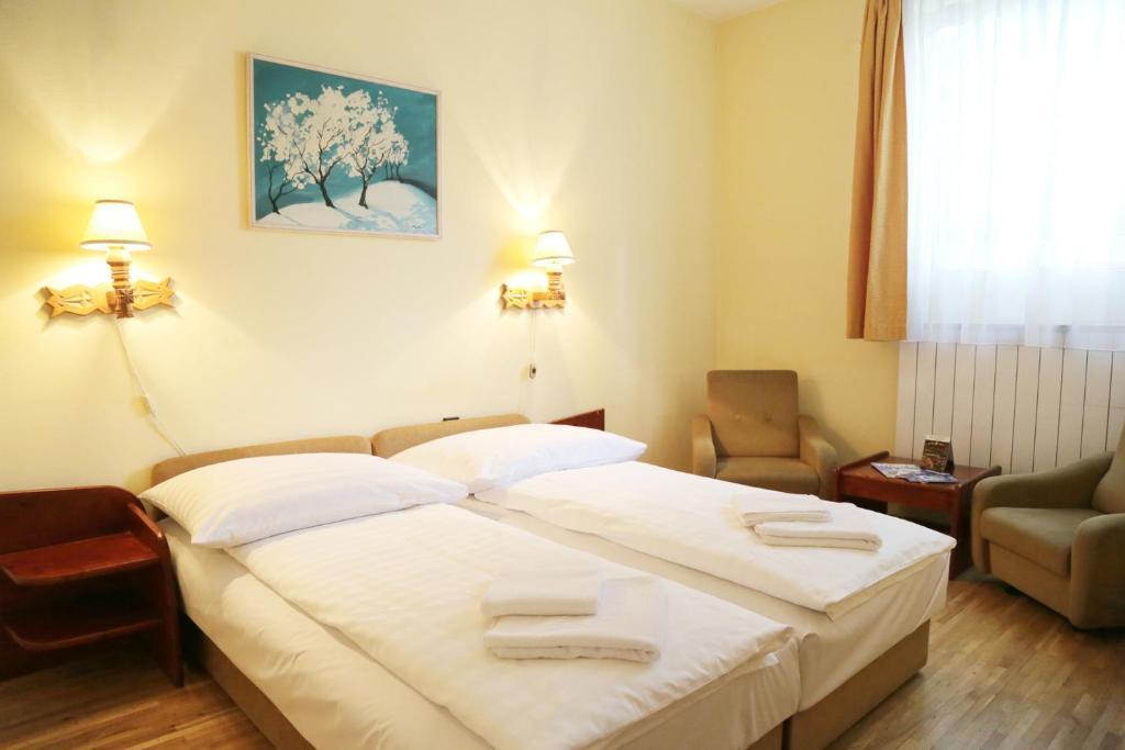 bara guest house budapest hungary booking com rh booking com