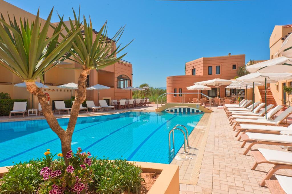 ccd9aed5df4d5d Silver Beach Hotel   Apts