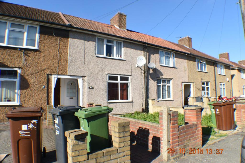 Holiday Home Kingsmill Road Dagenham Rm9 5eh Entire 2 Bed House
