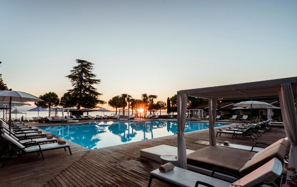 The swimming pool at or near Splendido Bay Luxury Spa Resort