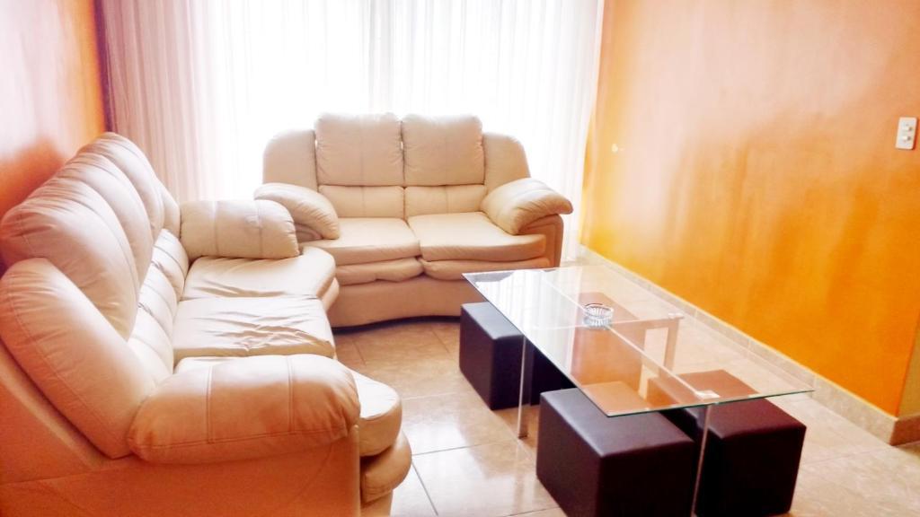 A seating area at Departamento de Karen