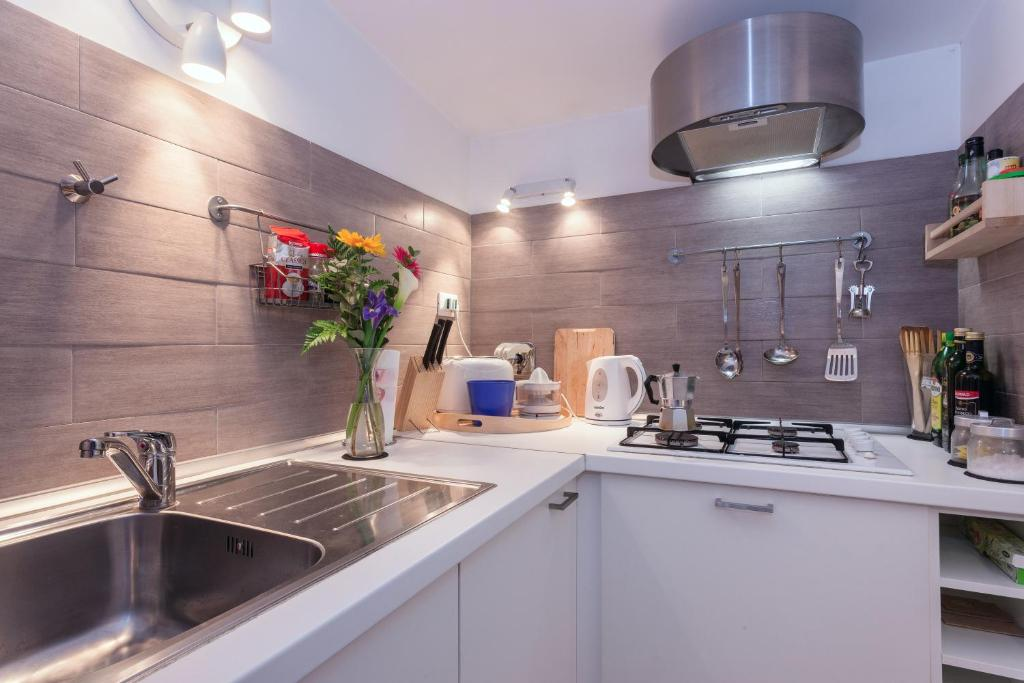Rome Trastevere Apartments, Italy - Booking.com