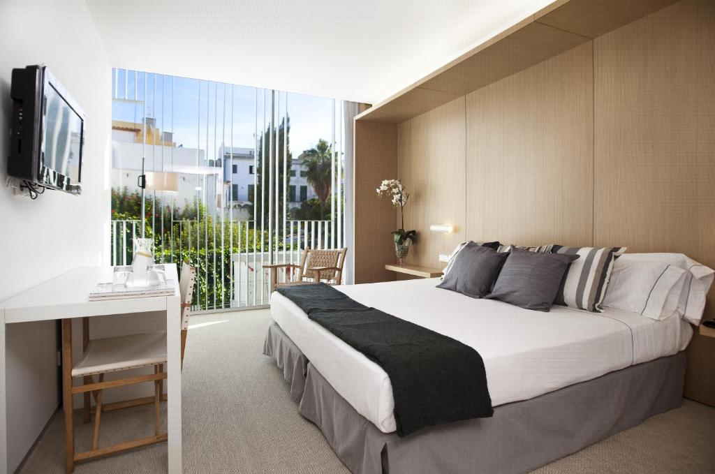 boutique hotels in sitges  26
