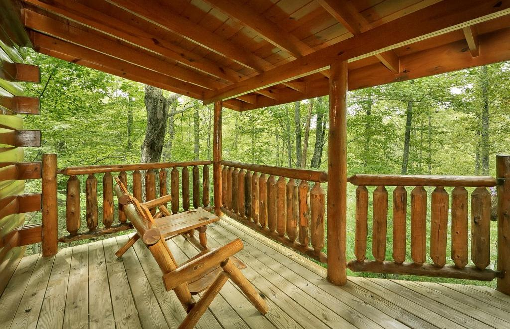 A balcony or terrace at The Treehouse #1708 - One Bedroom Cabin