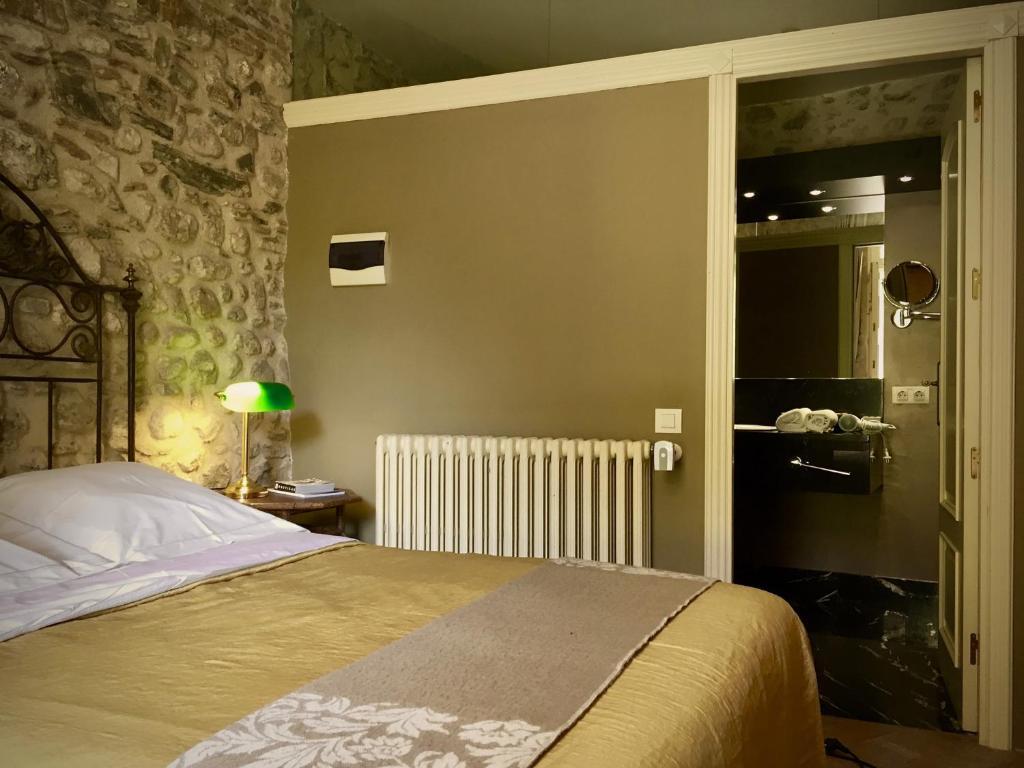 hoteles con encanto en sant llorenç de la muga  15