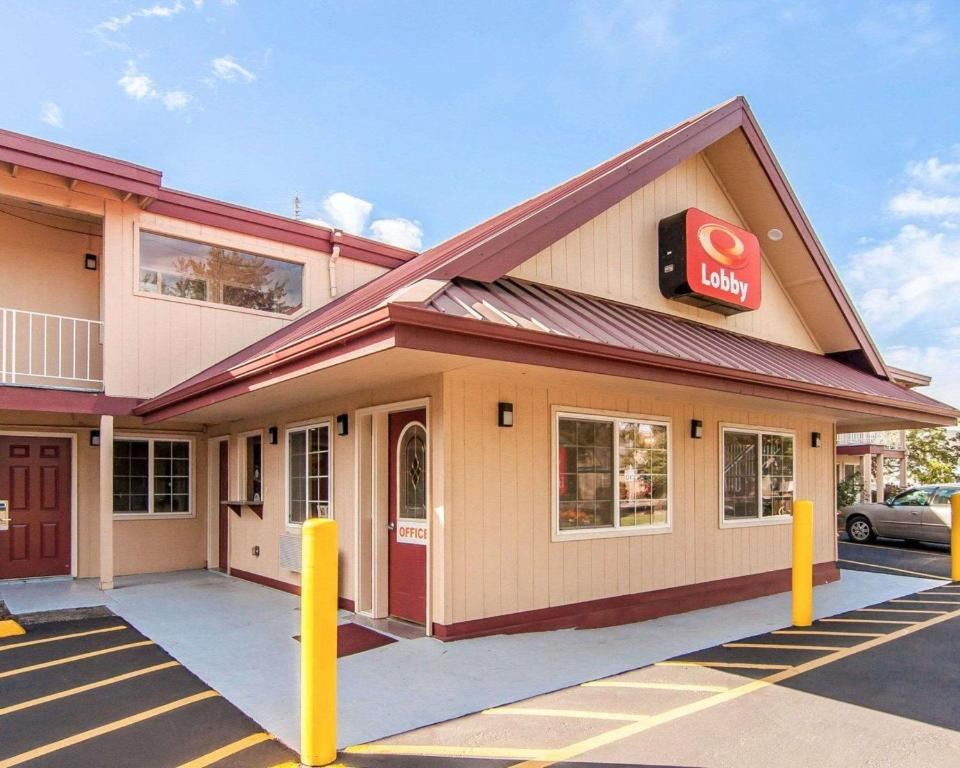 Econo Lodge Eugene Or Booking Com