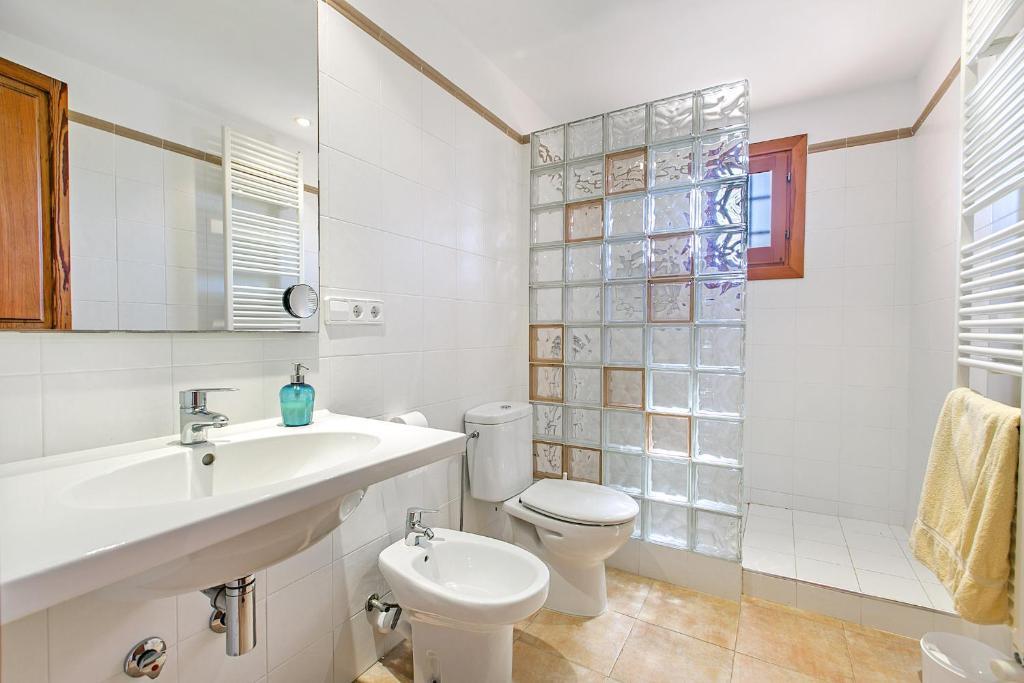 Villa Ses Sitjoles Seques - Campos, Spain - Booking.com