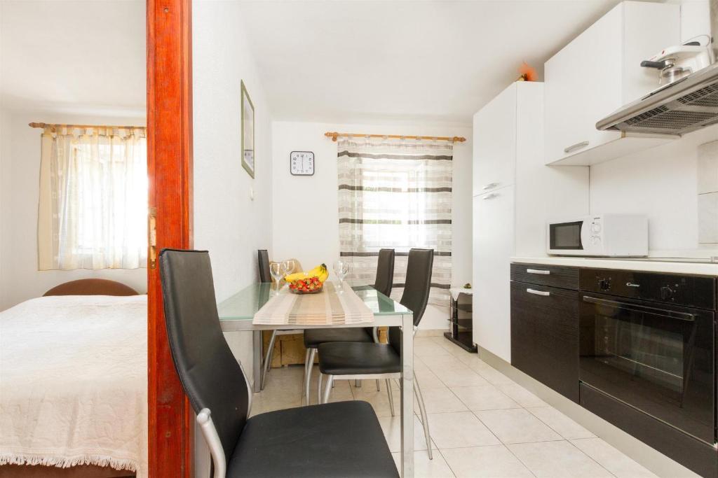 Apartments Varos