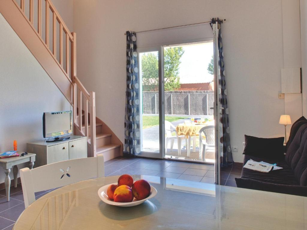Appart 39 h tel vacanc ole le domaine d 39 enserune for Appart hotel narbonne