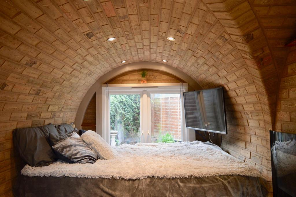 Hobbit-Style House In Bath, Bath