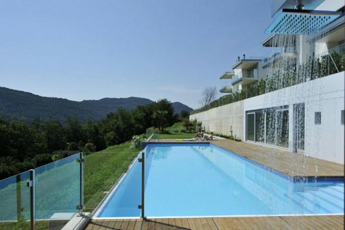 The swimming pool at or near Montagnola Apartment Sleeps 10 Pool Air Con