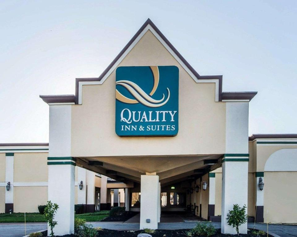 Quality Inn Conference Center Erie Pa Bookingcom