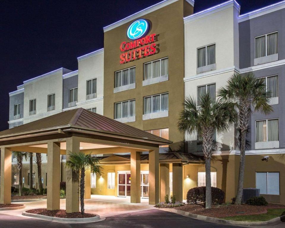 Hotel Comfort Suites At Harbison Columbia Sc Booking Com